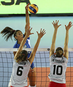 Vasilantonaki (11) of Greece in action against N. Dimitrova (1), Dimitrova (2) and Kitipova (7) of Bulgaria during the 2019 Women's European Volleyball Championship Group A match between Greece and Bulgaria in Ankara, Turkey on August 27, 2019.
