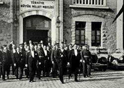 TBMM'nin ilk bakanlar kurulu oluşturuldu