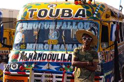 الحافلات العمومية بداكار .. تحف فنية تمشي على الأرض