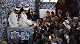 Peygamber sevgisi camilere sığmadı