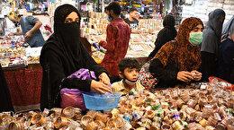 Pakistanlılar bayram öncesi pazarlara koştu