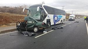 Yolcu otobüsü ile otomobilin karıştığı korkunç kazada bir aile yok oldu: Baba ve 3 çocuğu hayatını kaybetti