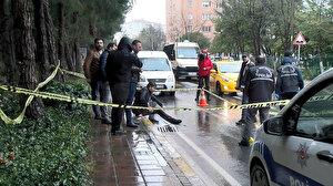 Beylikdüzü'nde bacağından silahla vurulan yaralı kaldırıma oturdu ambulans bekledi