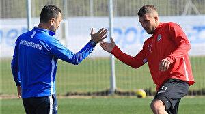 Takım izinde Podolski idmanda