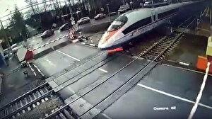 Rusya'da feci kaza: Hızlı tren yayaya çarptı