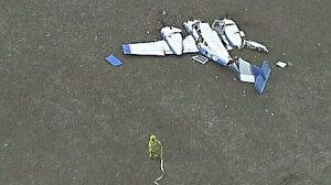 İki uçak havada kafa kafaya çarpıştı