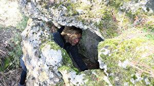 Arkadaşının evini ararken 1800 yıllık lahit buldu