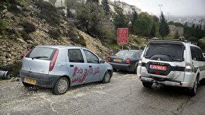 Filistin'de siyonistlerin ırkçı saldırılarının ardı arkası kesilmiyor: 13 araca zarar verdiler