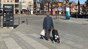 Polonya'da koronavirüs ile ilgili farklı bir yöntem: 18 yaşından küçükler tek başına sokağa çıkamayacak