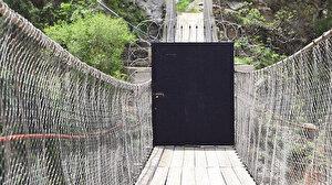 Köye dönüş karantinası: Köyün girişine kilitli kapı yaptırdılar, kimseyi içeri almıyorlar