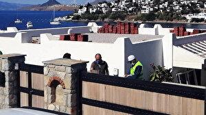 Özdil'in villasındaki kaçak eklentiler yıkılıyor