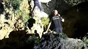 Arkadaşlarıyla şakalaşırken 20 metrelik falezlerden düştü: Hastaneye kaldırıldı