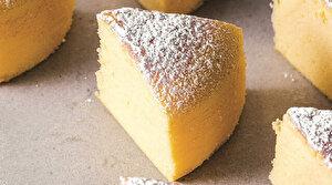 Mutfakta fazla vakit kaybetmek istemeyenler için birbirinden lezzetli pratik 7 kek tarifi