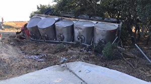 Tanker devrildi: 20 tün süt yol kenarına aktı