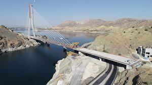 Ulaştırma ve Altyapı Bakanı Adil Karaismailoğlu, Yeni Kömürhan Köprüsü'nün son kaynağını yaptı: 15 Aralık'ta açılacak