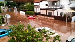 İsrail'i sel vurdu: 200 sivil tahliye edildi