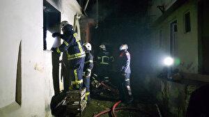 Önce kendi evini, ardından akrabalarının evini ateşe verdi