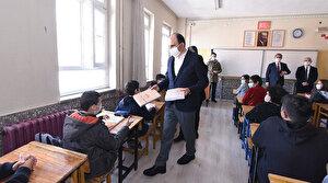 Konya Büyükşehir'den 8. sınıf öğrencilerine LGS çalışma kitabı