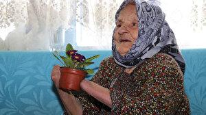 Manisalı Ayşe Nine 72 yıl önce yaşadığı acı olayı unutamıyor: Kocası ellerini tırpanla kesti