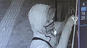 Hırsızın müthiş el çabukluğu: 10 saniyede açtı, iki dakikada 100 bin liralık telefonu çaldı