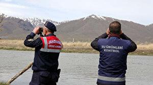 Van Gölü'nde yasağın ilk gününde 3 ton inci kefali ele geçirdi