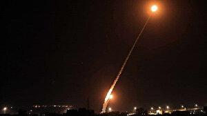 İşgalci İsrail Gazze Şeridi'ni kara, hava ve denizden yoğun şekilde bombaladı