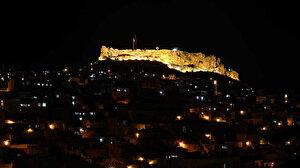 Tarihi Mardin Kalesi'nin Aydınlatması Yenilendi