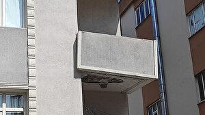 İstanbul Güngören'de çatlaklar oluşan 4 katlı bina boşaltıldı