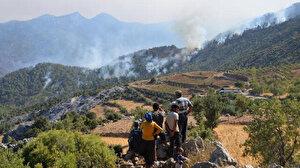 Mersin'de iki ilçedeki yangınlar devam ediyor: Havadan müdahale yeniden başladı