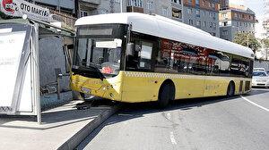 Kağıthane'de faciadan dönüldü: İETT otobüsü durağa daldı