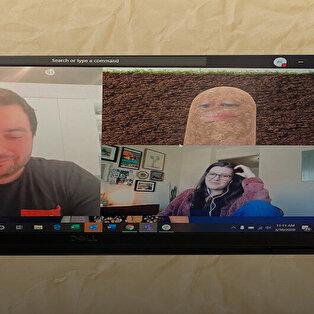 Salgında bugün: Şirket patronu videokonferansa 'patates' olarak katıldı