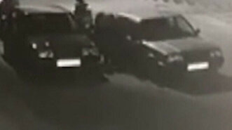 Grand theft auto: Gangs steal parked cars und...