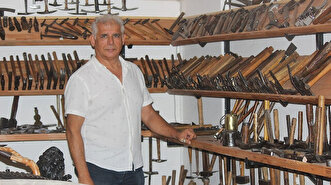 Turkish man collects thousands of 'hammers' f...