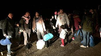 Mülteciler Ayvacıkkıyılarına gelmeye başladı