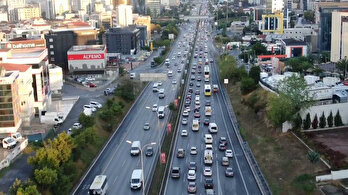 Trafik yoğunluğu erken başladı