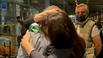 Syrian dad reunites with daughter in Turkey after 12 years of separation