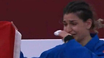 Turkish athlete weeps for joy as she earns golden score in judo in Tokyo 2020 Paralympics