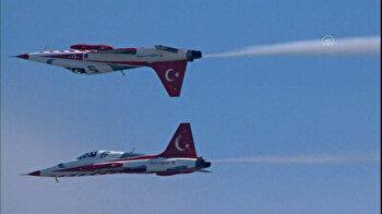 Turkish Stars hold stellar performance over Istanbul sky at Teknofest