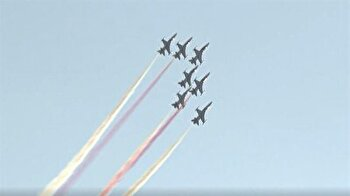 Turkish jets perform stunning aerobatic show