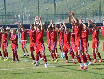 Altyapısıyla dikkat çeken Altınordu, son yıllarda yetiştirdiği futbolcularla Türk futboluna damga vuruyor.