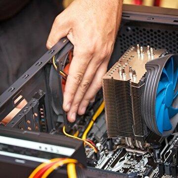 Bilgisayar donanımlarını satın aldıktan sonra birleştirme işleminin dikkatle yapılması gerekiyor.