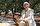 Şehir hayatından sıkılan ve 20 yıl önce Besni'nin Konuklu köyüne yerleşen Numan Sunar, ailesine ait 800 dönümlük taş, kaya ve engebeli araziyi iş makineleriyle temizleterek tarıma elverişli hale getirdi. Arazinin yaklaşık 400 dönümlük kısmına badem ağacı diken Sunar ve eşi, yılda 100 ton badem üreterek ülke ekonomisine katkıda bulunmanın mutluluğunu yaşıyor.
