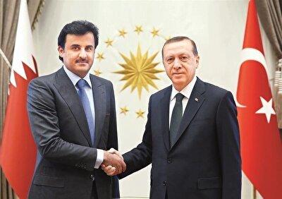Turkish President Recep Tayyip Erdoğan (R) and Qatari Sheikh Tamim bin Hamad Al Thani (L)