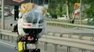 Heavy load: Motorcycle overloaded with goods spotted on highway in Istanbul