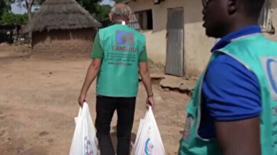 Turkish aid agency distributes meat to Bamako in Mali during Eid