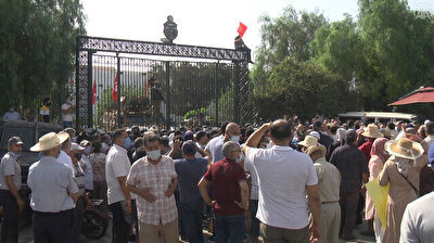 Security forces tighten measures outside Tunisia's parliament amid tensions