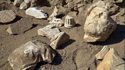 Archaeologists unearth statue of Roman Emperor Hadrian in ancient city in Turkey