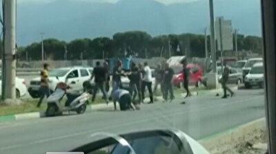 Iron rods and sticks talk during violent traffic brawl in Turkey