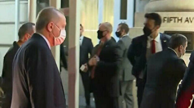 President Erdogan chats to Turks converged outside his hotel in NYC
