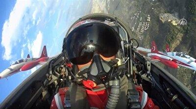 Cockpit view of breathtaking Turkish jets show